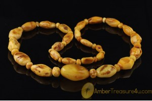 ANTIQUE Large BUTTERSCOTCH Beads BALTIC AMBER Necklace