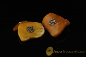 VINTAGE Butterscotch Genuine BALTIC AMBER Cufflinks