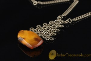 VINTAGE Butterscotch Genuine BALTIC AMBER Pendant