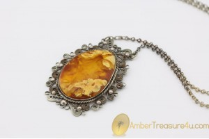 Exclusive VINTAGE Unique Color Genuine BALTIC AMBER Pendant